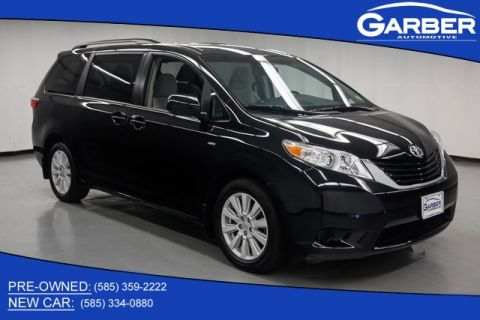 Pre-Owned 2017 Toyota Sienna LE AWD