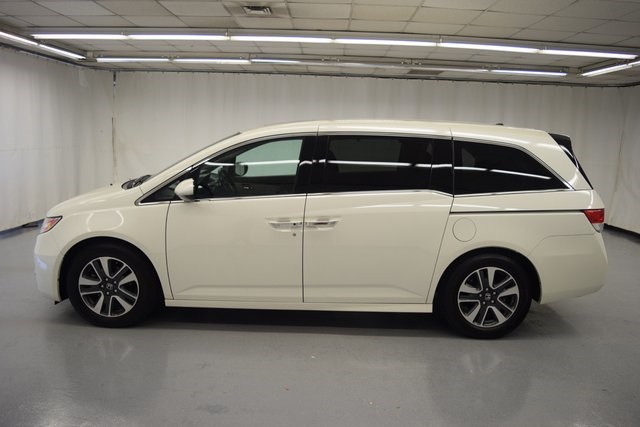 Pre-Owned 2017 Honda Odyssey Touring Elite