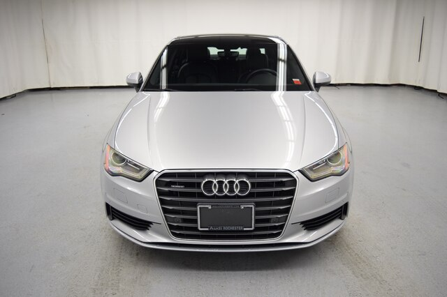 Pre-Owned 2016 Audi A3 2.0T Premium w/Navigation